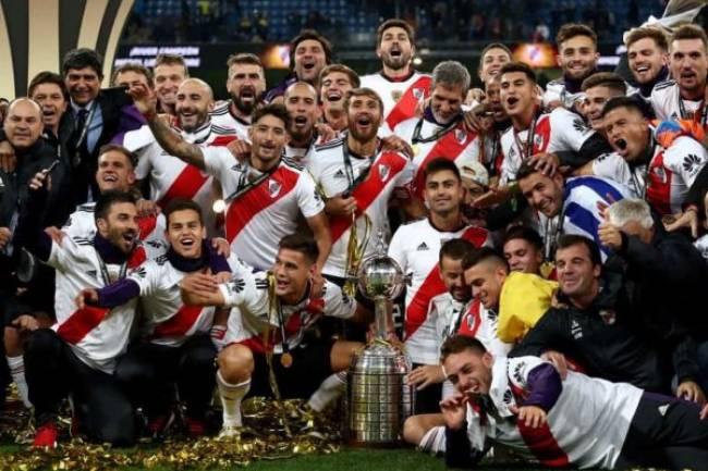 Tras veinte años, el campeón de la Copa CONMEBOL Libertadores no tenía main sponsor