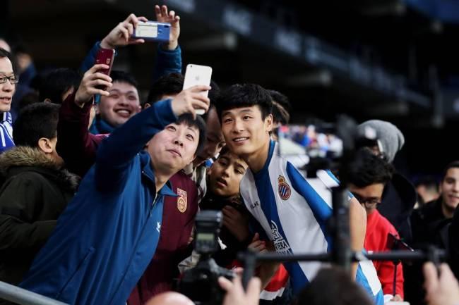 Espanyol causa furor en el público chino