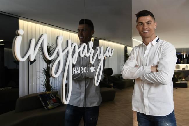 Ronaldo inauguró una Clínica Capilar en Madrid