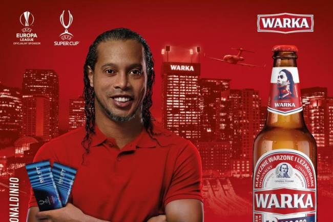 Ronaldinho, nuevo embajador de la marca de cervezas Warka