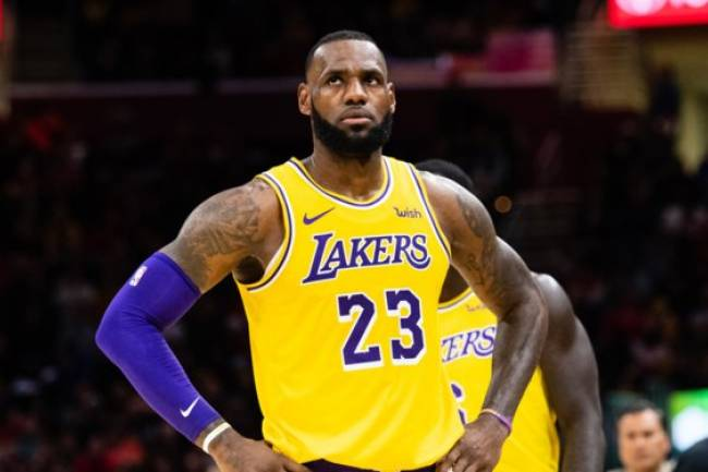 LeBron James lidera el ranking de las camisetas de NBA