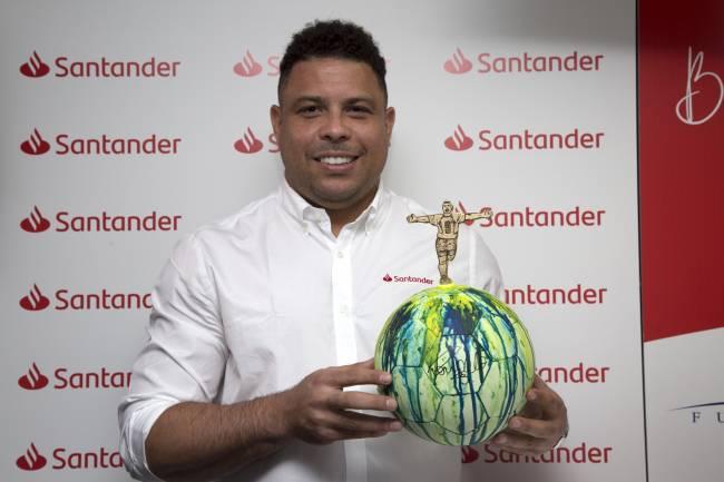 Banco Santander presenta Balones Solidarios Santander