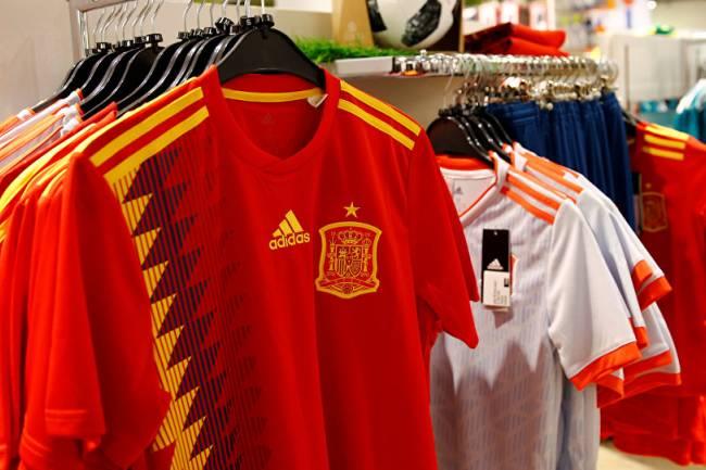 Adidas dejará de vestir a la selección española