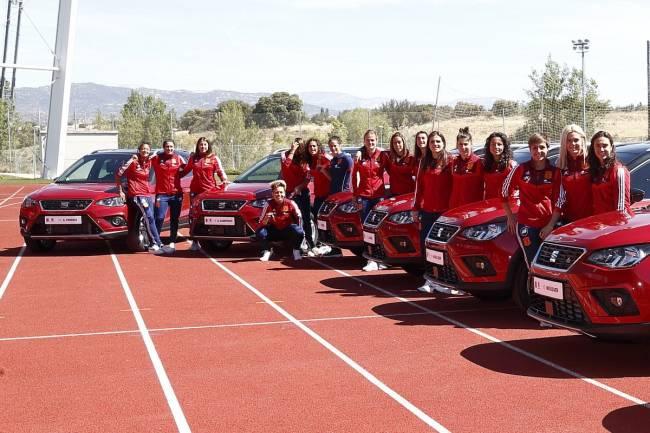 Seat oficializa su patrocinio con la selección española de fútbol femenino