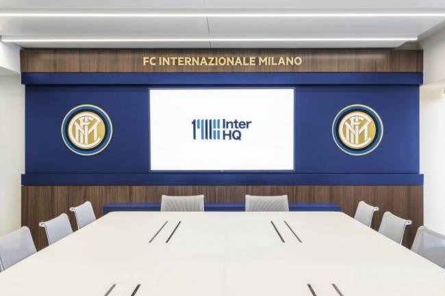 Inter inauguró una nueva sede en el centro de Milán