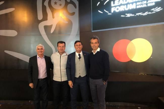 Javier Zanetti y Dunga protagonizaron el Priceless Moment de Mastercard Latinoamérica