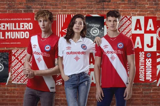 Umbro presentó las nuevas camisetas de Argentinos Juniors
