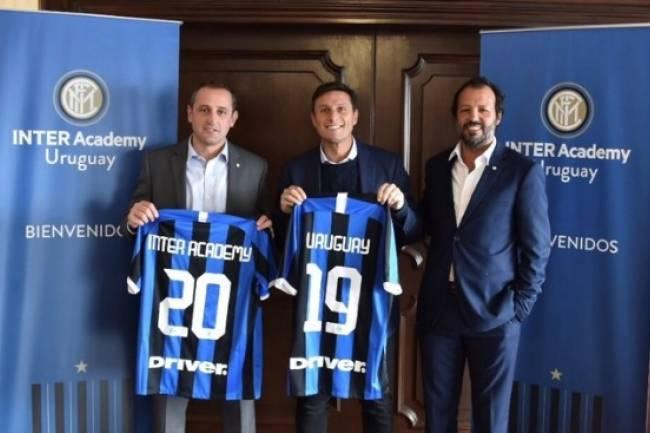 Inter abre su escuela de fútbol en Uruguay