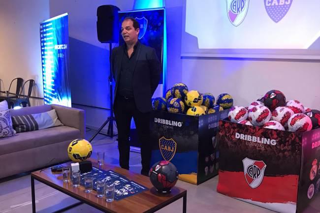Sportcom renueva licencias con River Plate y Boca Juniors