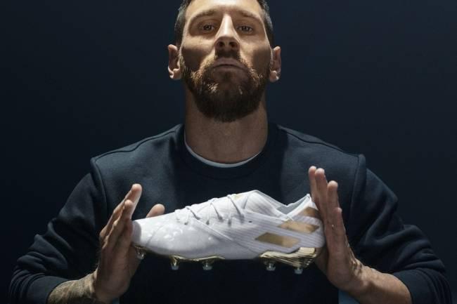 Adidas celebra los 15 años como profesional de Lionel Messi