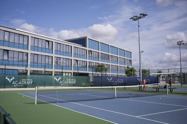 Rafael Nadal abrirá una academia de tenis en Kuwait