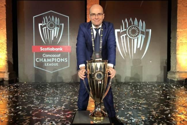 Mister Chip presente en el sorteo de la Scotiabank Concacaf Champions League