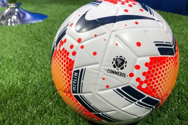 Nike presentó la pelota que se usará en la CONMEBOL Copa Libertadores y Sudamericana