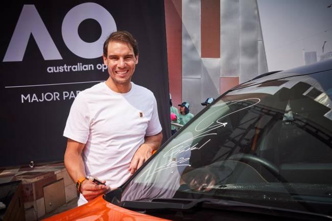Nadal y Kia presentan los vehículos oficiales del Abierto de Australia