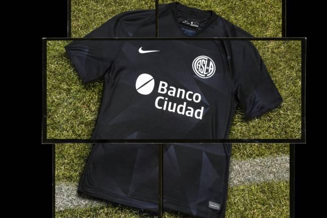 Nike presenta la tercera camiseta de San Lorenzo