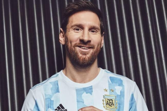 Adidas presentó la nueva camiseta de la Selección Argentina
