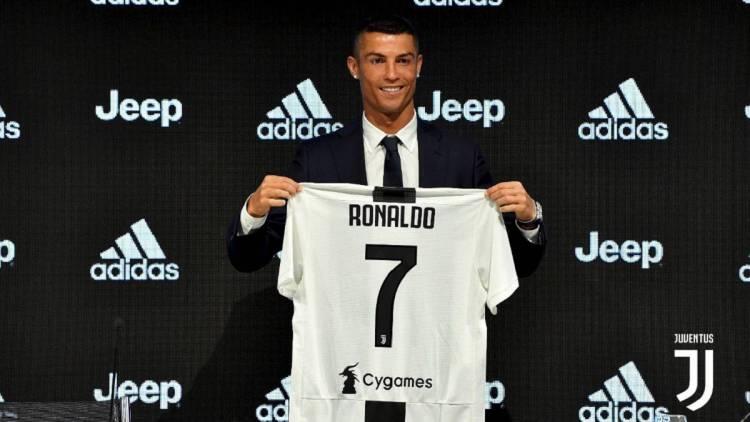 En 2018, el fútbol mundial gastó 7.03 billones de dólares en transferencias