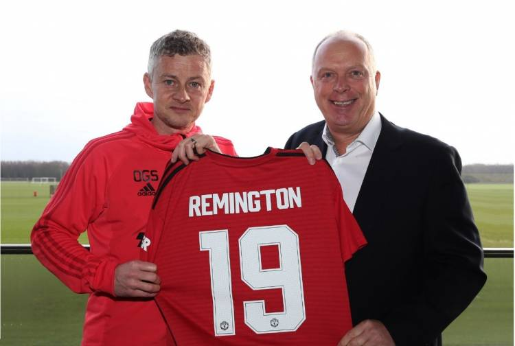 Manchester United llega a un acuerdo con una famosa marca de productos de aseo personal