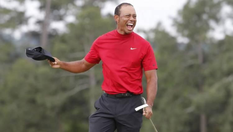 Nike se rinde a los pies de Tiger Woods