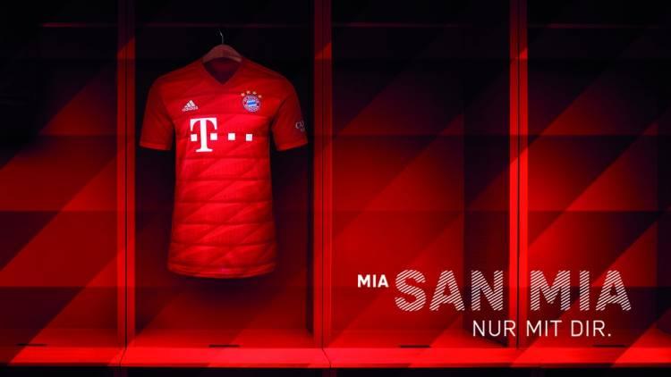 Adidas presentó las camisetas de Manchester United y Bayern Múnich