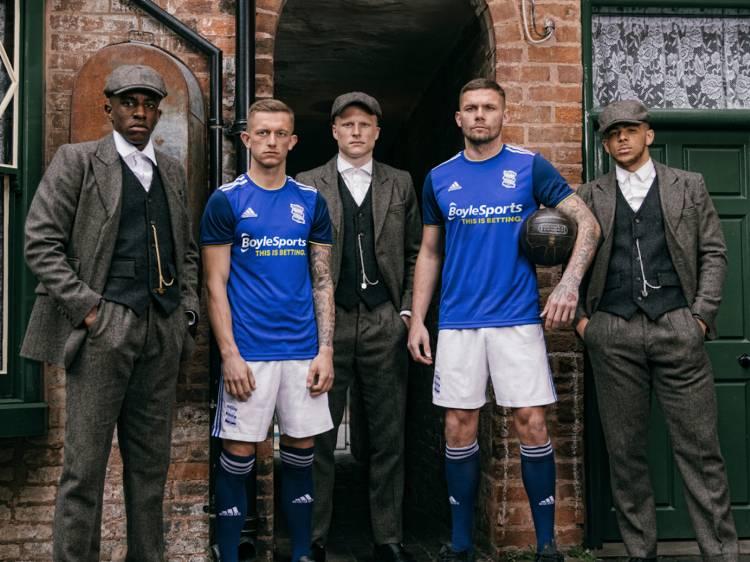 Birmingham City lanza la nueva camiseta al estilo Peaky Blinders
