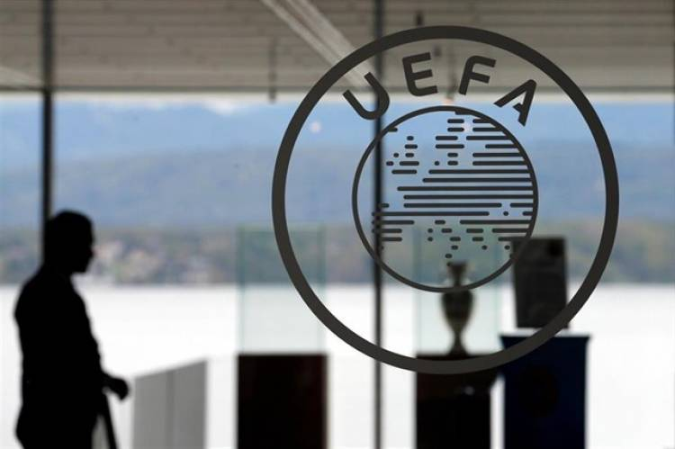 UEFA lanza un proyecto de asesoramiento financiero para futbolistas profesionales