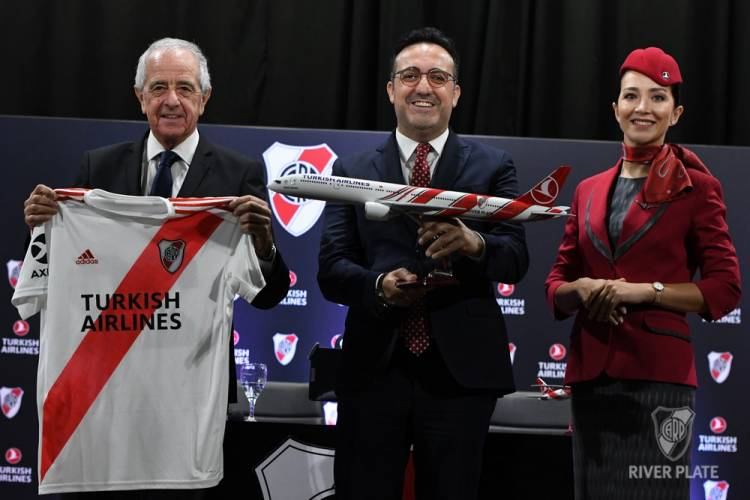 River Plate presentó oficialmente a Turkish Airlines