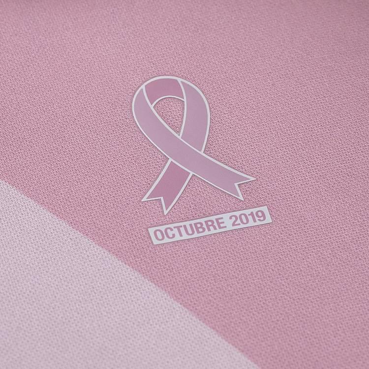 Umbro se une a la lucha contra el cáncer de mama