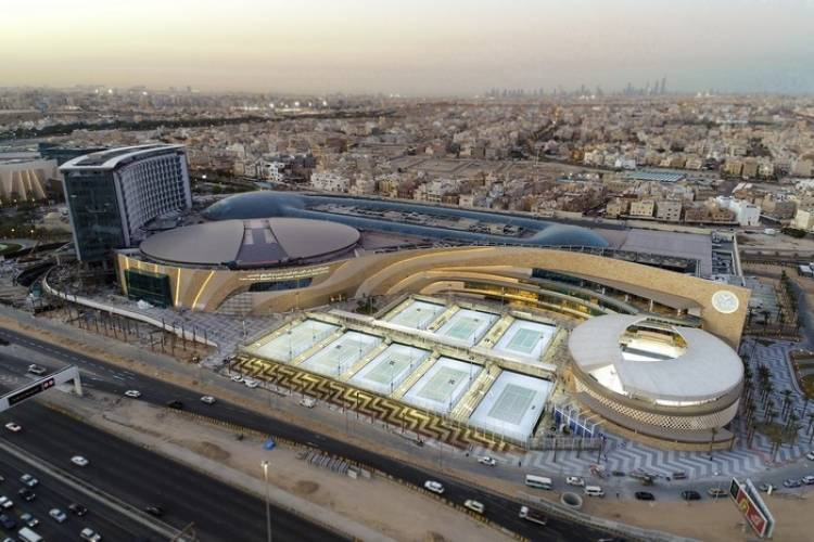 Rafa Nadal inaugura en Kuwait su primera academia fuera de España