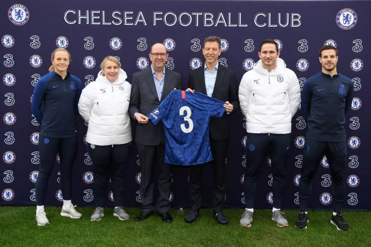 Chelsea cambia de main sponsor