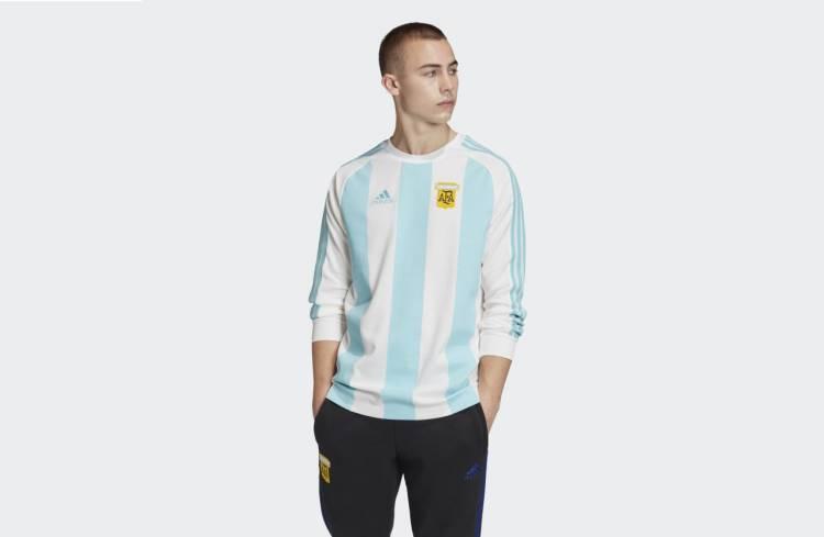 Adidas recuerda Italia 90 con un kit de productos retro