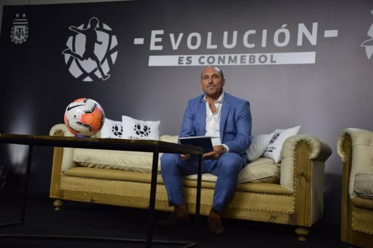"""""""El fútbol profesional de Sudamérica está en riesgo"""""""